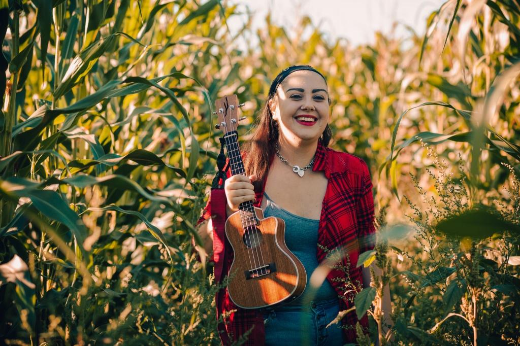 Amanda McCarthy - US Singer-songwriter