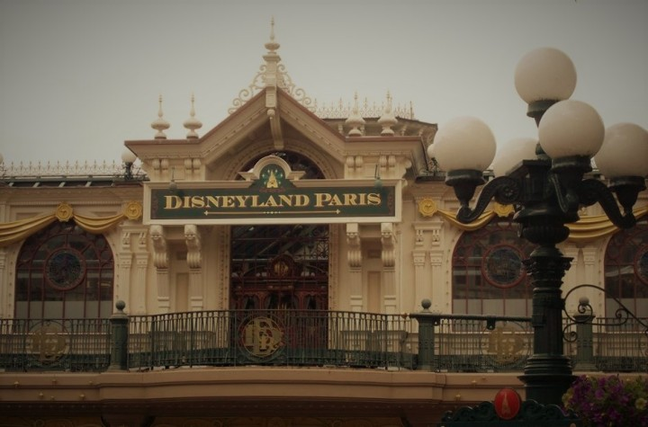 5 Reasons to Visit Disneyland Paris